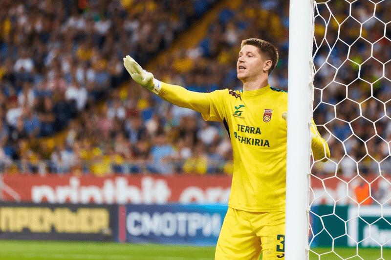 В каком клубе начинал свою карьеру в РПЛ Александр Беленов?