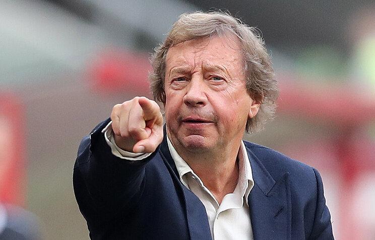 Юрий Сёмин в очередной раз доказал свою крутость - публично поддержал футболистов, которые отказались от снижения зарплаты.