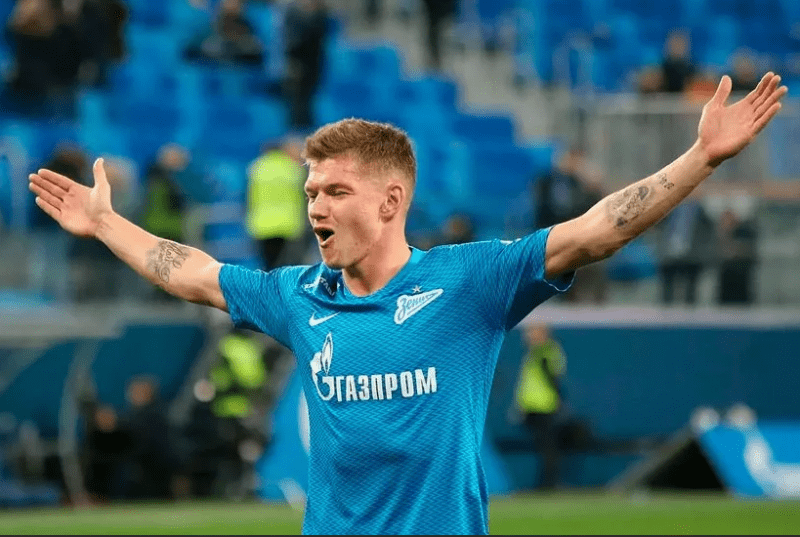 В «ЦСКА» приняли решение по Олегу Шатову