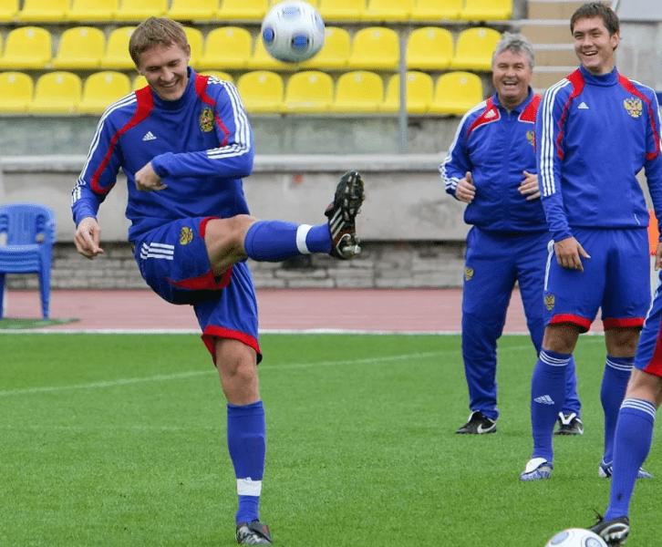 Вы думали Бухаров закончил с футболом?
