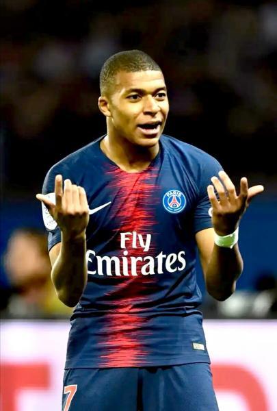 """Мбаппе выбрал себе клуб, но это не """"Реал"""". Топ трансфер для """"Барсы"""". Свежие новости в футболе"""