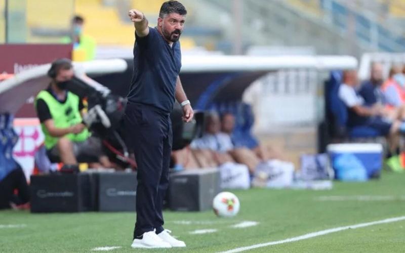 Главный тренер Наполи: У Барселоны есть один игрок по имени Месси...