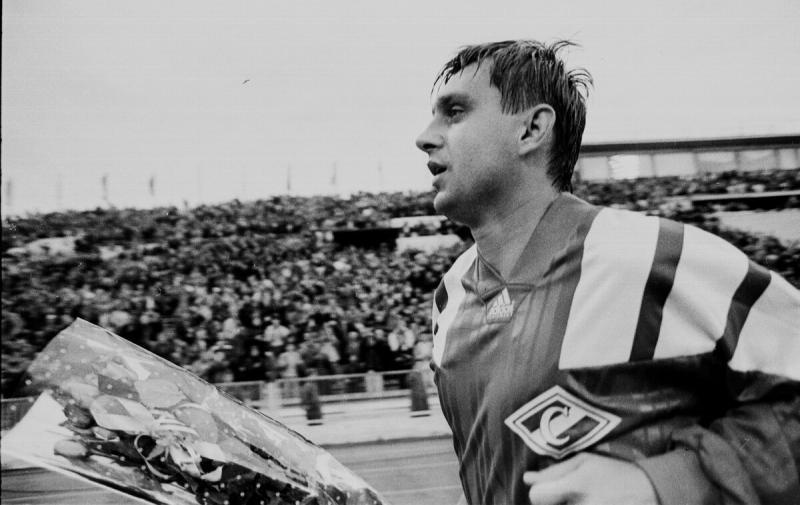 26 лет назад состоялся прощальный матч Федора Черенкова. Любимый футболист ушел под «Виват, король!»
