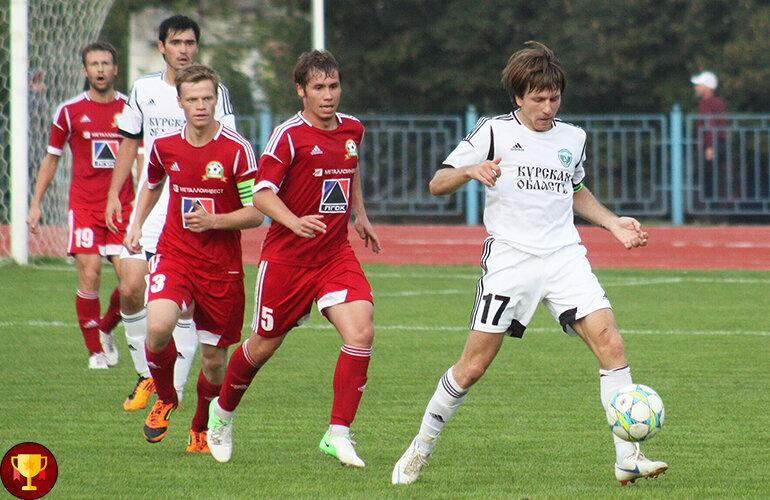 Действующие российские футболисты, которые уже стали легендами в клубах из низших лиг.