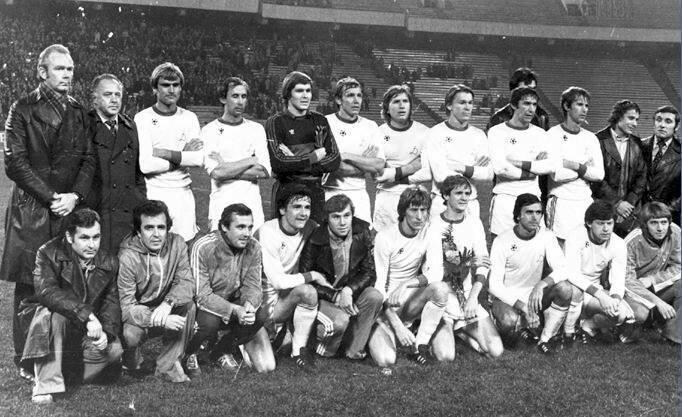 1984 год. Киевское Динамо занимает 10-е место. Так низко команда не опускалась более 30 лет