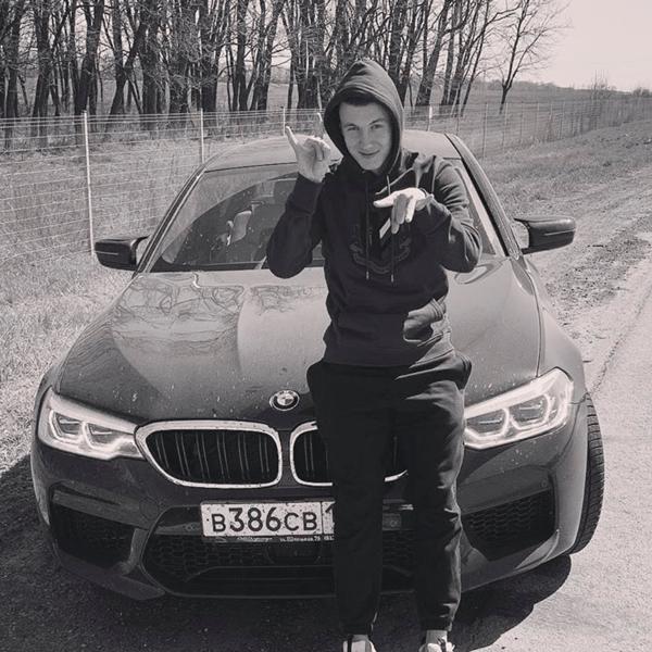Иван Игнатьев-порождение лимита на легионеров. Футболисту 21 год, а футбол уже не нужен.