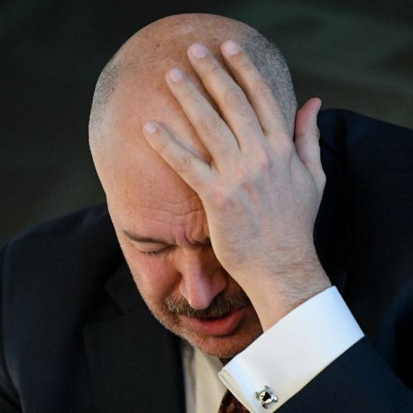 Локомотив прощается с Кикнадзе и продолжает свое падение в бездну.
