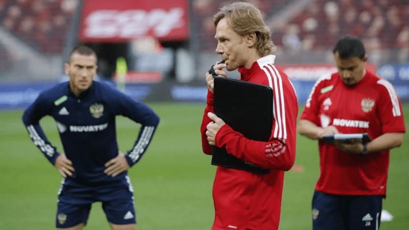 Эмоции после первой победы сборной России под руководством Карпина