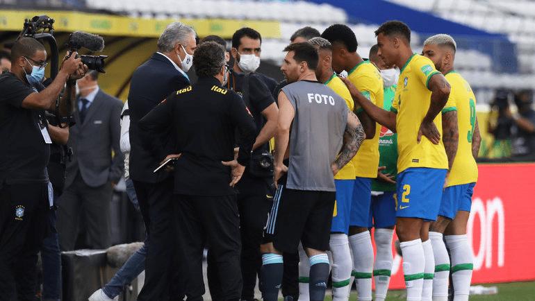 Колхоз в Южной Америке: Неймар и Месси вынуждены были уйти с поля во время матча из-за бразильских властей