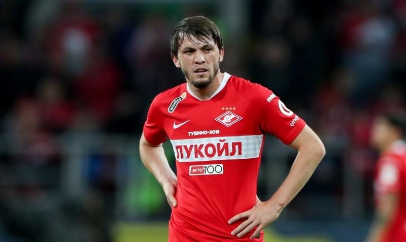 «Спартак» может избавиться от Мирзова. Два клуба РПЛ сделали предложения по игроку