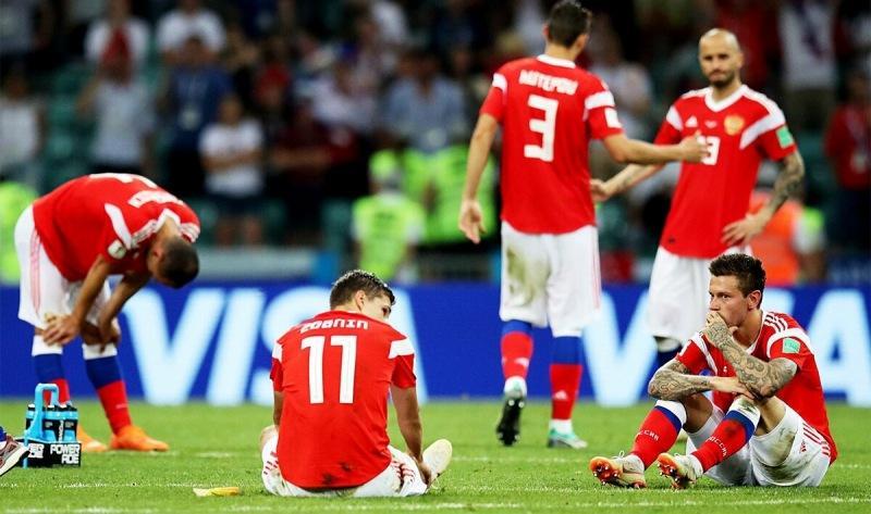 Валерий Карпин объявил список футболистов сборной России по футболу. Георгич противоречит себе