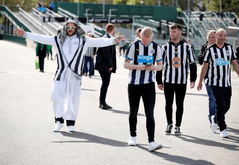 """Арабские шейхи купили ещё один футбольный клуб. Теперь скромный """"Ньюкасл"""" в 20 раз богаче """"Манчестер Сити"""" и в 50 раз - """"ПСЖ"""""""